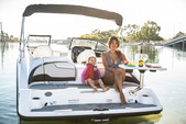 21 ft. Yamaha 210SX Bow Rider Boat Rental Los Angeles Image 13