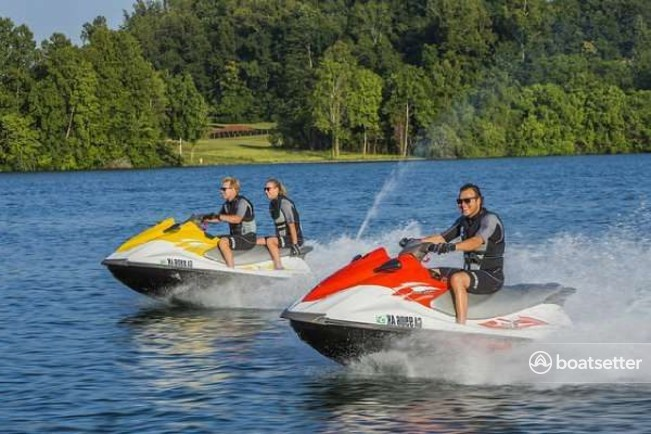 Rent a Yamaha jet ski / personal water craft in Madeira Beach, FL near me