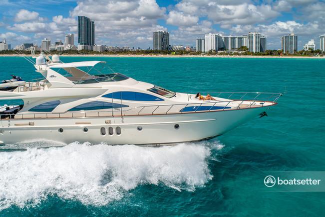 Rent a Azimut Yachts flybridge in Miami, FL near me