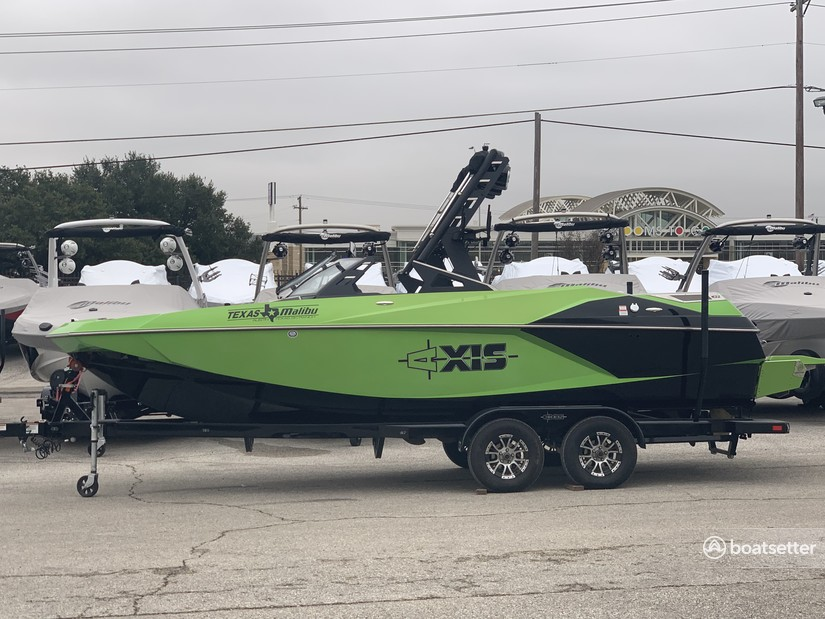Rent a AXIS WAKE RESEARCH bow rider in Lago Vista, TX near me