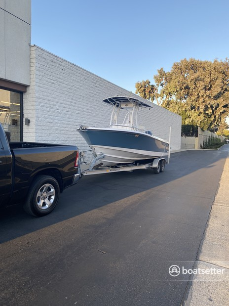 Rent a EDGEWATER POWERBOATS center console in Boulder City, NV near me