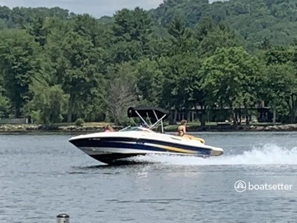Rent a Sea Ray Boats bow rider in Washington, CT near me