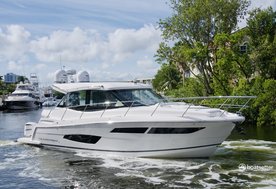 Rent a Regal cruiser in Aventura, FL near me