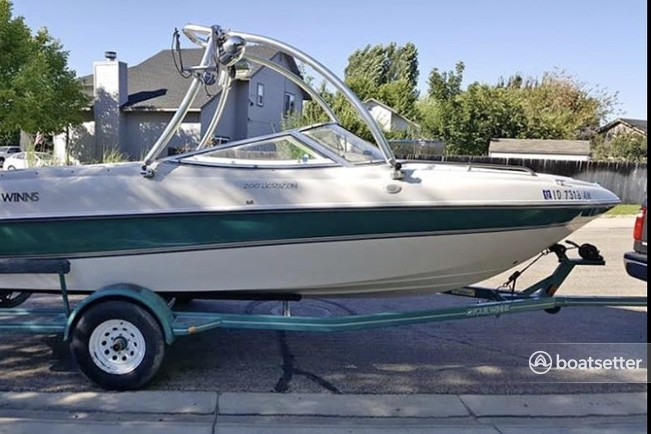 Rent a FOUR WINNS BOATS bow rider in Meridian, ID near me
