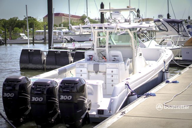 Rent a Everglades by Dougherty center console in Charleston, SC near me