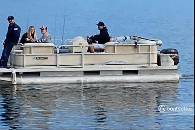 Rent a Weeres Pontoons pontoon in Peoria, AZ near me