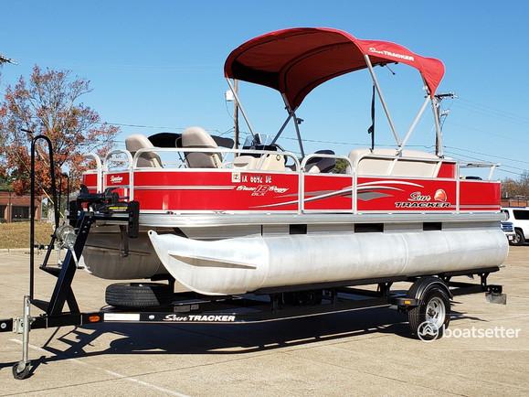 Rent a Sun Tracker by Tracker Marine pontoon in Austin, TX near me