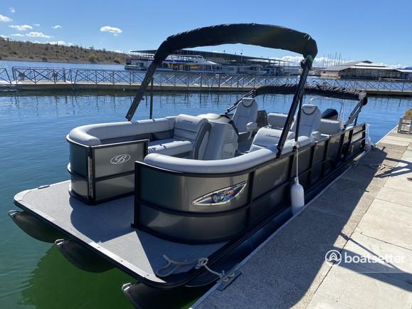 Rent a Bentley pontoon in Peoria, AZ near me