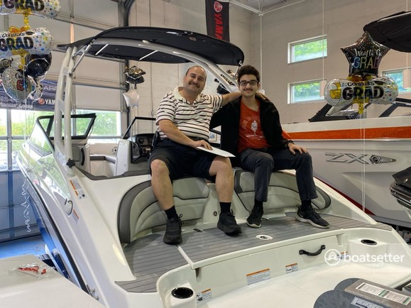 Rent a YAMAHA jet boat in North Myrtle Beach, SC near me