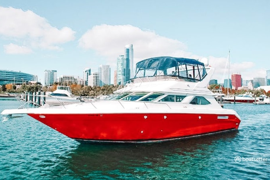 Rent a Sea Ray Boats flybridge in Chicago, IL near me