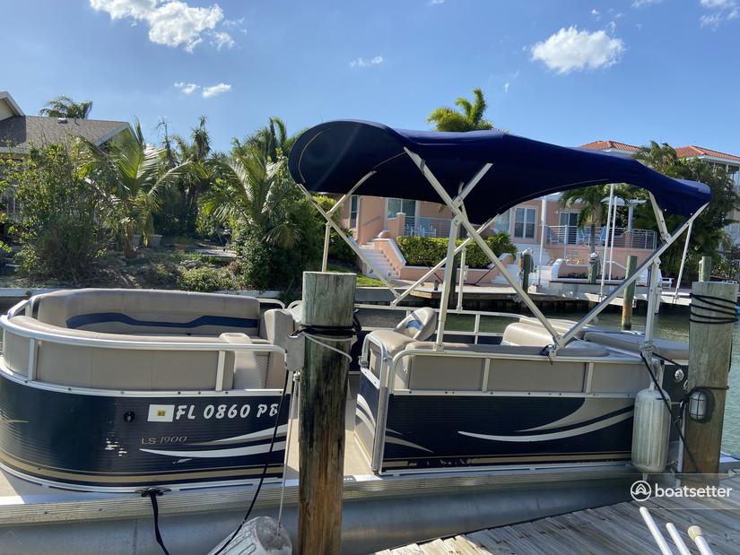 Rent a Avalon Pontoons pontoon in Palmetto, FL near me