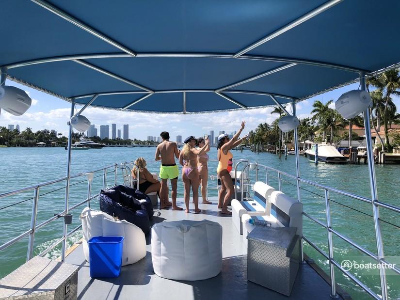 Rent a Bulldog Pontoons pontoon in Miami, FL near me