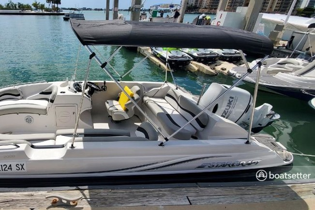 Rent a StarCraft deck boat in Sarasota, FL near me