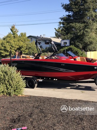 Rent a HEYDAY WAKE BOATS ski and wakeboard in Petaluma, CA near me