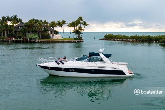 Rent a AURA catamaran in Miami, FL near me