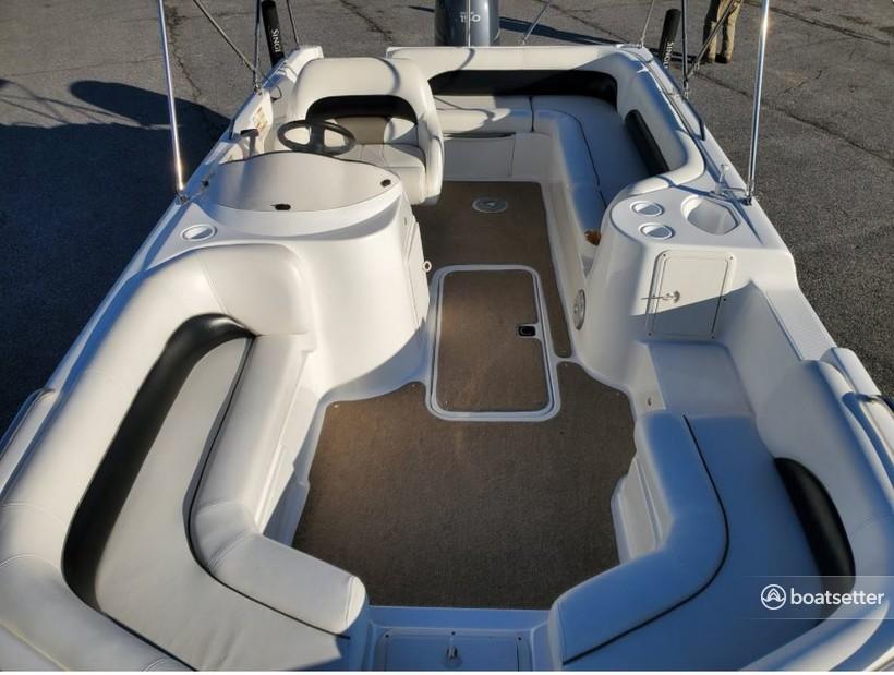 Rent a Hurricane Boats deck boat in Riverview, FL near me