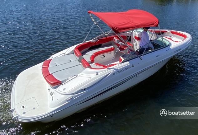 Rent a Four Winns Boats bow rider in Punta Gorda, FL near me
