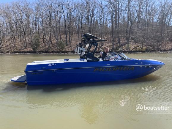 Rent a Moomba ski and wakeboard in Lake Ozark, MO near me