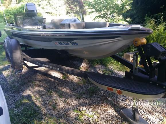 Rent a Ranger Boats (AR) bass boat in Morgantown, WV near me