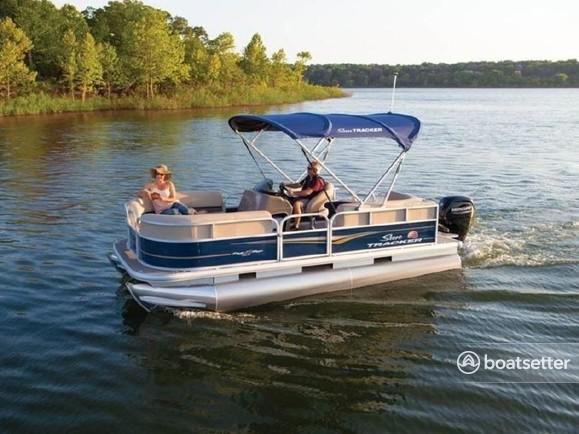 Rent a Sun Tracker by Tracker Marine pontoon in Seneca Falls, NY near me