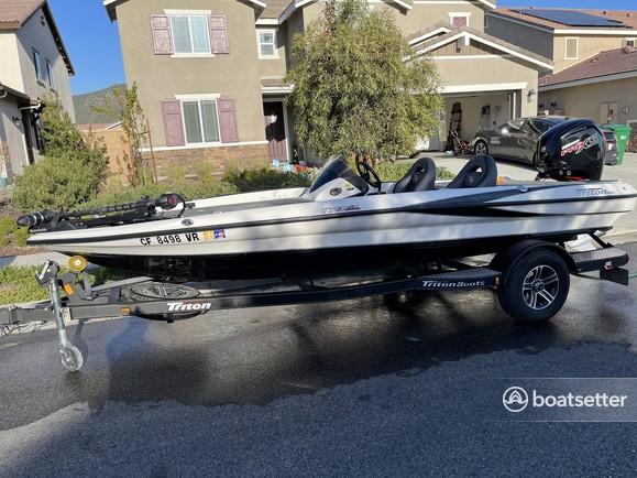 Rent a TRITON (TN) bass boat in Winchester, CA near me