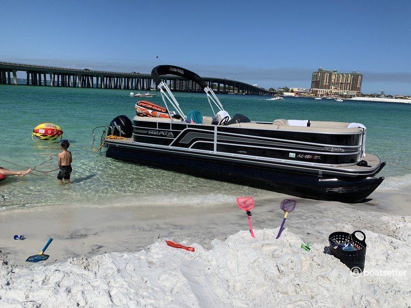 Rent a RANGER BOATS (AR) pontoon in Destin, FL near me