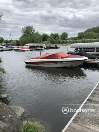 Rent a Bayliner bow rider in Madison, WI near me
