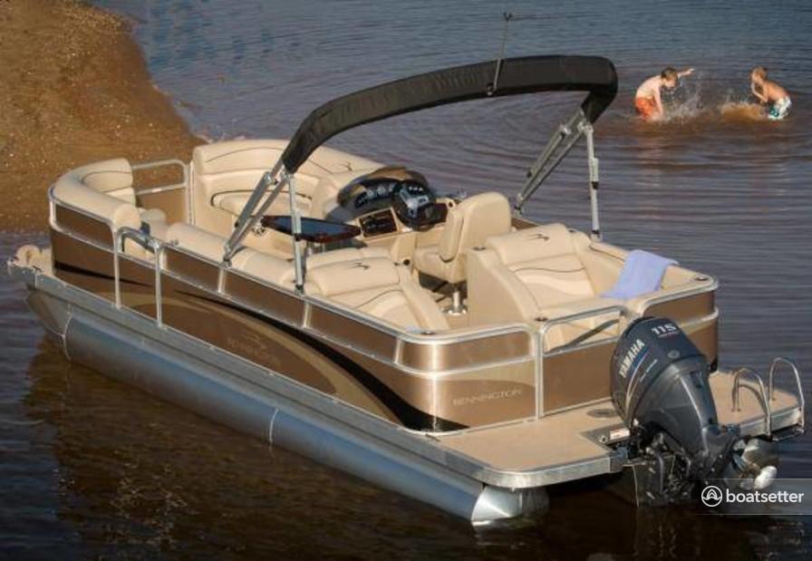 Rent a Bennington Marine pontoon in Shasta Lake, CA near me