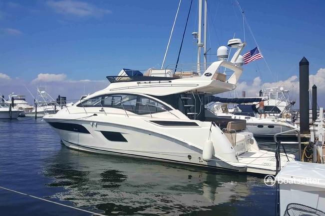 Rent a Sea Ray Boats motor yacht in New York, NY near me