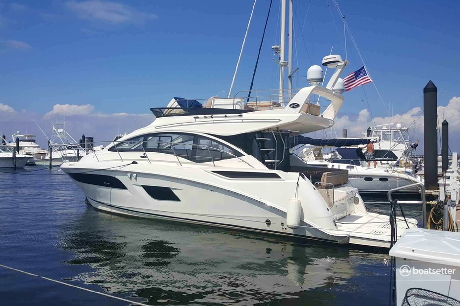 Rent a Sea Ray Boats motor yacht in New York, NY near me