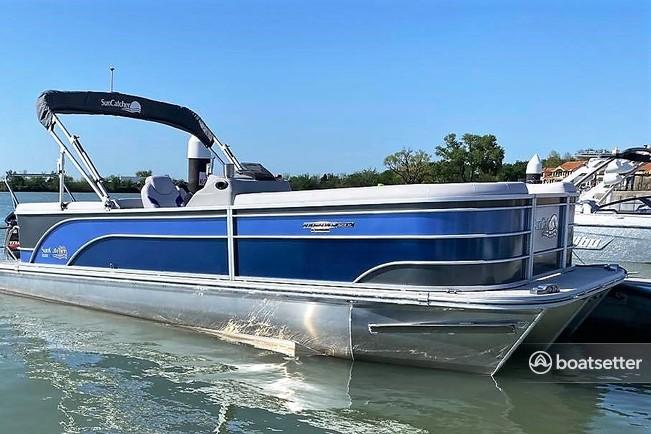 Rent a Suncatcher pontoon in Rockwall, TX near me