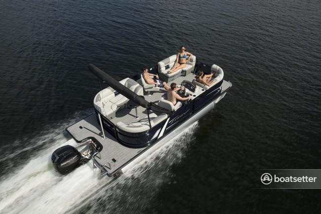 Rent a Starcraft pontoon in Fort Lauderdale, FL near me