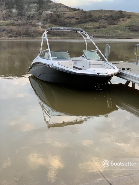 Rent a Yamaha bow rider in Tomball, TX near me