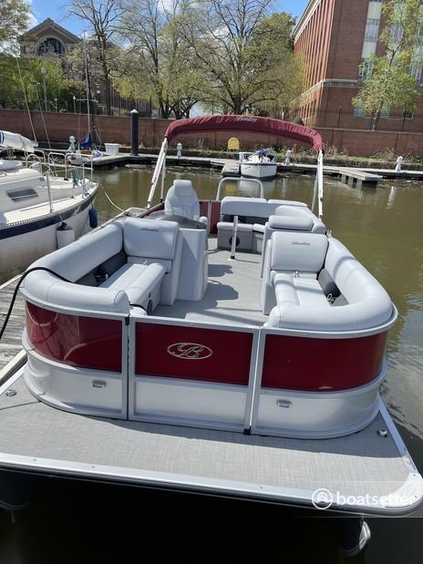 Rent a Bentley  pontoon in Washington, D.C., DC near me