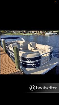 Rent a SILVER WAVE pontoon in Bradenton, FL near me