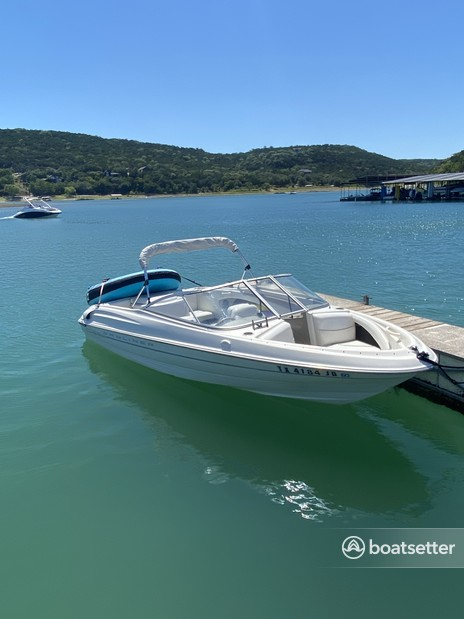 Rent a Bayliner bow rider in Austin, TX near me