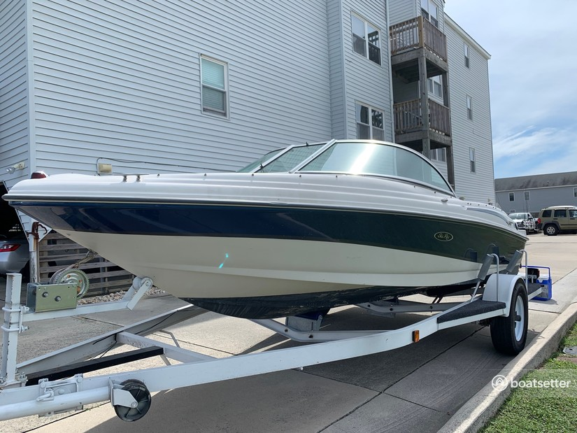Rent a SEA RAY BOATS bow rider in Bumpass, VA near me