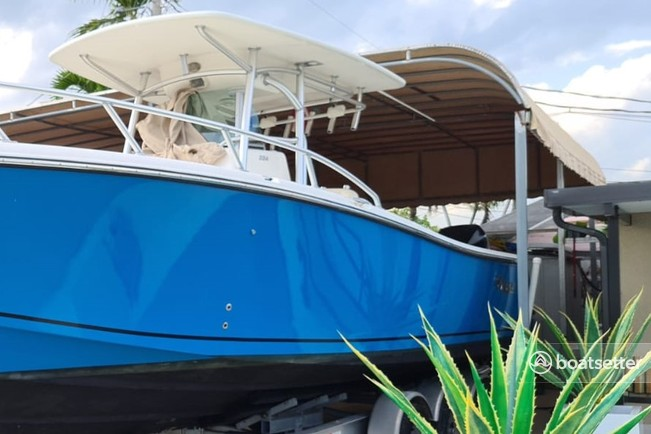 Rent a Mako Marine center console in Stuart, FL near me