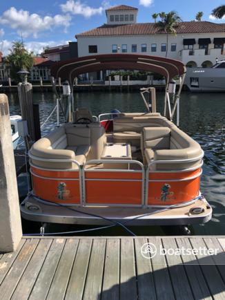 Rent a Bennington Marine pontoon in Clearwater, FL near me