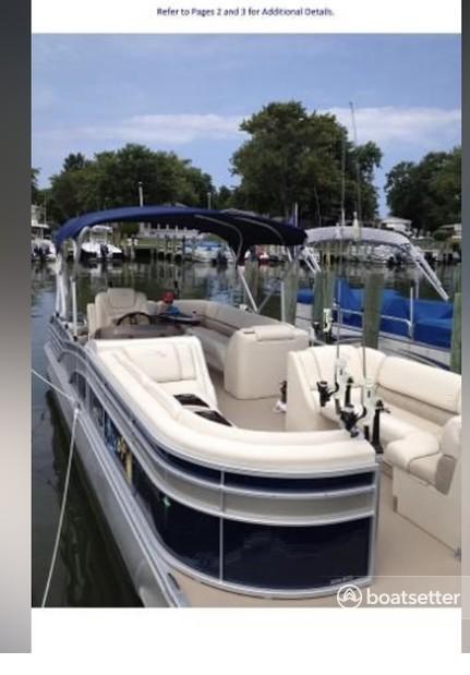 Rent a Bennington Marine pontoon in Washington, DC near me
