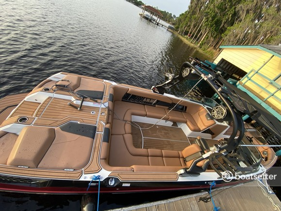 Rent a CORRECT CRAFT NAUTIQUE ski and wakeboard in Odessa, FL near me