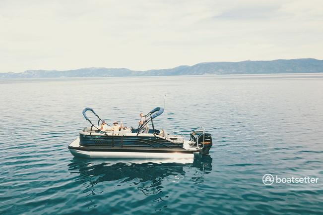 Rent a Bennigton  pontoon in South Lake Tahoe, CA near me