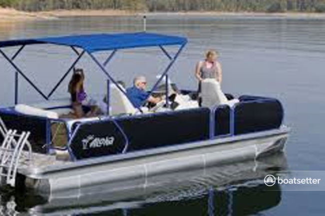 Rent a Aloha pontoon in Fort Worth, TX near me
