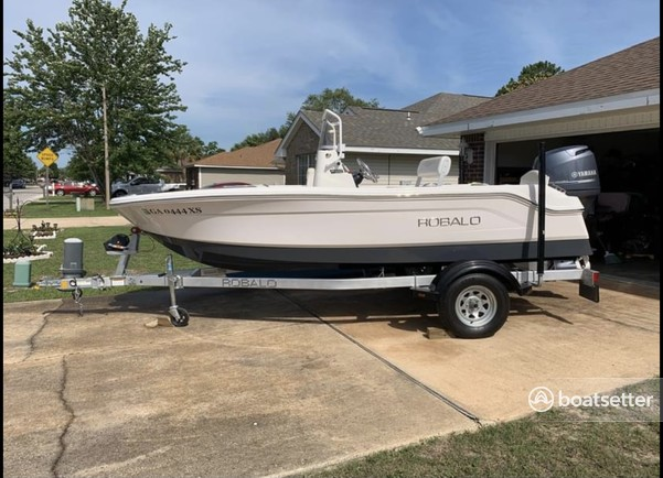 Rent a ROBALO center console in Freeport, FL near me