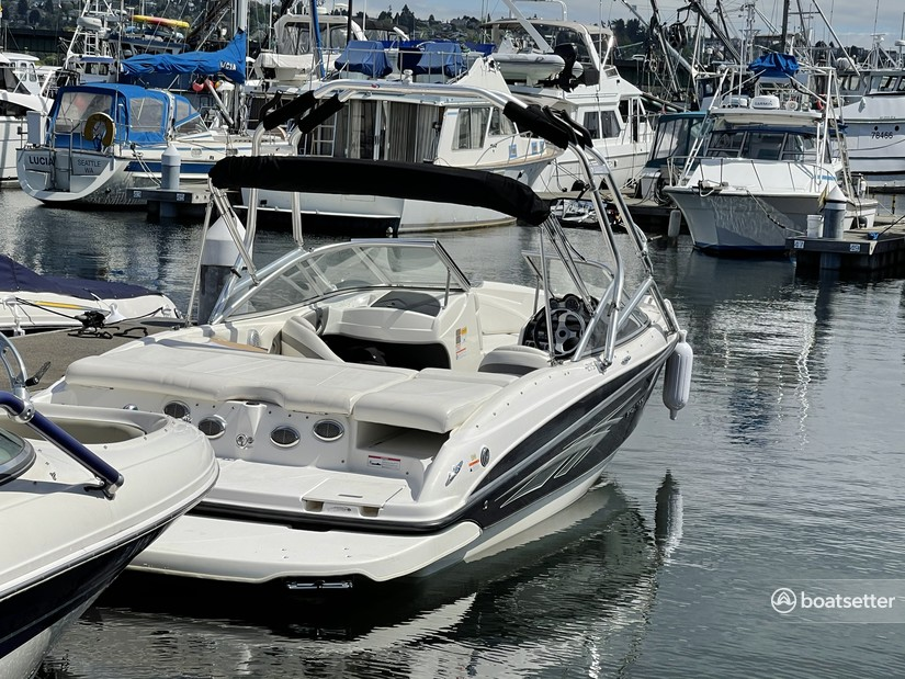 Rent a Bayliner bow rider in Seattle, WA near me