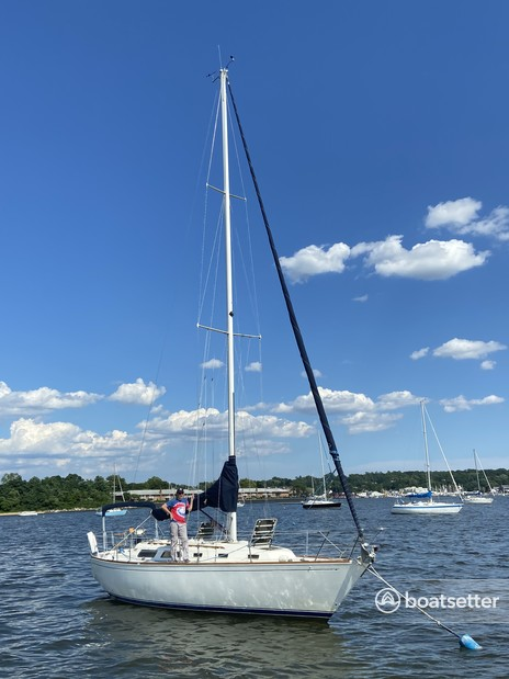 Rent a Sabre Boats sloop in Port Washington, NY near me