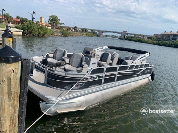 Rent a SILVER WAVE pontoon in Tampa, FL near me