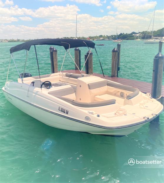 Rent a BAYLINER deck boat in Bradenton, FL near me