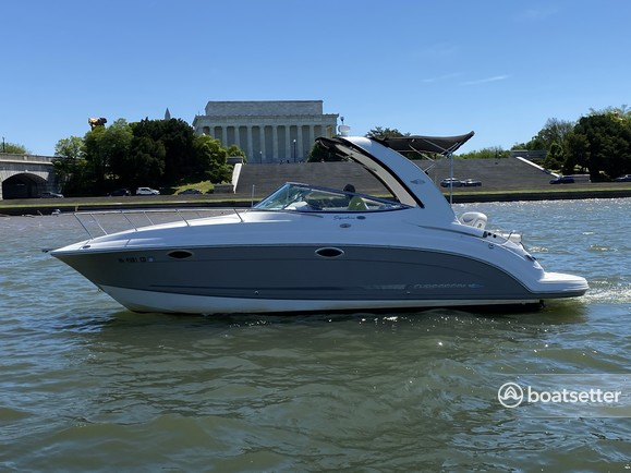 Rent a Chaparral Boats cruiser in Washington, D.C., DC near me