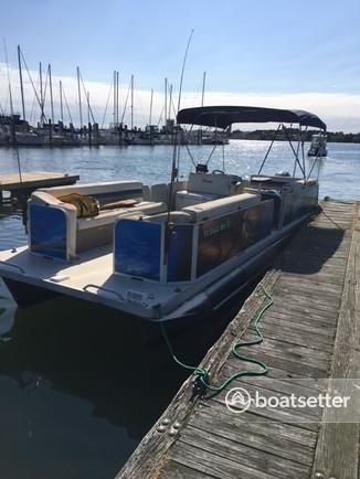 Rent a Fiesta Boats pontoon in Norfolk, VA near me
